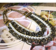 vintage pearl and flower necklace