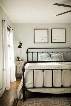 Boho farmhouse master bedroom Boho farmhouse master bedroom Boho farmhouse bedroom ideas with black iron bed frame, paint color silver feather by behr, sheer white curtains in bedroom and boho rug<br> Bedroom Bed, Dream Bedroom, Bedroom Decor, Spare Bedroom Ideas, Bedroom Frames, Guest Bedrooms, Guest Room, Bedroom Furniture, Home Furniture