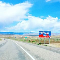 We just crossed the state line to Utah! Fingers crossed we'll find a spot at one of the campgrounds. Utah canyons here we come!  #utah #visitutah #roadtrip #reissu #yhdysvallat #motari #travel #matka #reissu #matkalla #matkablogi #matkabloggaaja #travelblogger #travelblog #IGtravelthursday #adventure #mondolöytö (via Instagram)