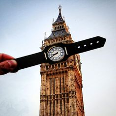 You know how everybody has to get THAT picture with Pisa's leaning tower? Well, London creative Rich McCor is besting..