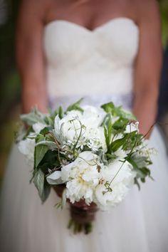 Green Bouquet | Apulia Wedding Inspiration | Ispirazione dalla Puglia! http://theproposalwedding.blogspot.it/ #apulia #wedding #matrimonio #autumn #autunno #fall #wine #wineyard #olive #uliveto #oliva #verde #green #italy #italian #italia