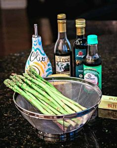 Perfectly roasted asparagus drizzled with a nutty browned butter sauce is an elegant side dish for steak or seafood and requires only 12 minutes baking time! Esparagus Recipes, Steak Side Dishes, Asparagus Spears, Butter Sauce, Brown Butter, Seafood, Roast, Good Food