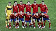 Spain make one change to the team that got past Portugal, with former Arsenal midfielder Cesc Fabregas coming in for Alvaro Negredo of Sevilla. Once again, Vicente del Bosque opts not to play with a striker