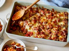 Sausage and Rigatoni Dump Dinner by Food Network Kitchen Sausage Rigatoni, Baked Rigatoni, Penne Recipes, Sausage Recipes, Macaroni Recipes, Spaghetti Recipes, Italian Recipes, New Recipes, Cooking Recipes