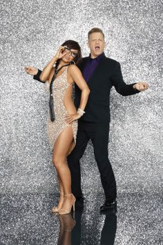 Drew Carey and Cheryl Burke. drew your weight loss is amazing wait till you see how much you take off after doing DWTS. You did well last night Drew Carey, Cheryl Burke, My Little Corner, Partner Dance, Professional Dancers, Couple Posing, Dancing With The Stars, Just Dance, Celebs