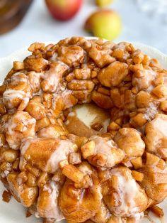 Apple Fritter Cake, Apple Fritter Recipes, Apple Fritters, Apple Recipes, Bread Recipes, Chicken Recipes, Dessert For Dinner, Dessert Ideas, Dessert Recipes