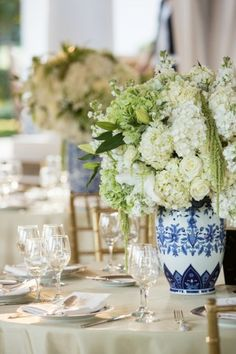 Ivory and green florals in ginger jars by jordan payne events | jordanpayneevents.com