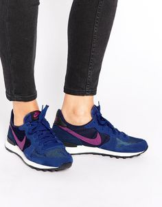 Image 1 - Nike - Internationalist - Baskets - Bleu et rose Cute Sneakers, Pink Sneakers, Pink Shoes, Air Max Sneakers, Sneakers Nike, Nike Internationalist Pink, Nike Logo, Blue Trainers, Marken Logo