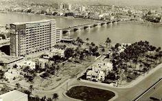 جسر الجمهورية وبناية وزارة التخطيط عام 1963