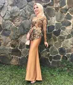 Kebaya Brokat, Dress Brokat, Kebaya Dress, I Dress, Hijab Gown, Hijab Dress Party, Hijab Style Dress, Abaya Fashion, Modest Fashion