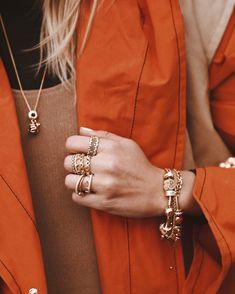 #pandorashine #dopandora #pandorabracelet #bee #goldjewelry #ring #goldring #goldbracelet #jewelry #joyitas #pandora
