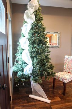 How to decorate a Christmas tree the EASY way! Step by step instructions! #decoratingachristmastree