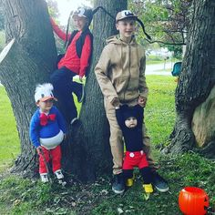 DIY Halloween costumes, family Halloween costumes, homemade easy Halloween costumes, Mickey mouse, Donald duck, Pluto, and Goofy