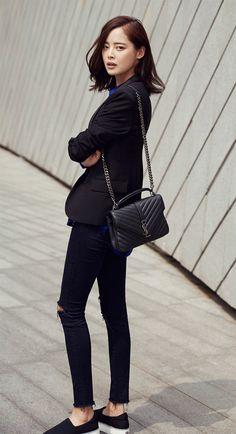 How Celebrities Carry The Saint Laurent Classic Monogram Bag | Bragmybag The Saint, Work Fashion, Star Fashion, High Fashion, Yves Saint Laurent Tasche, Sac College, Saint Laurent College Bag, Ysl College Bag Medium, Fashion Vestidos