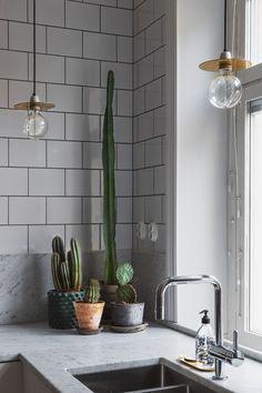 Stylish kitchen - via cocolapinedesign.com