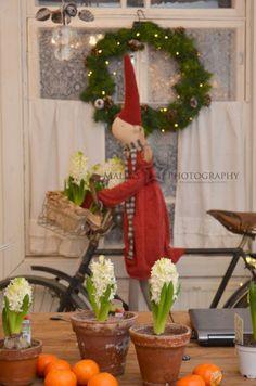Elämää villa honkasalossa Country Christmas, Winter Christmas, Christmas Themes, Holiday Decor, Danish Christmas, Scandinavian Christmas, Christmas Fashion, Soft Dolls, Merry And Bright