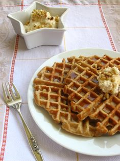 Oh my gosh! Banana Bread Waffles with Maple Nut Cream Cheese Spread. Mmmmm!!! (Willow Bird Baking - http://willowbirdbaking.com/2010/04/09/banana-nut-bread-waffles/)