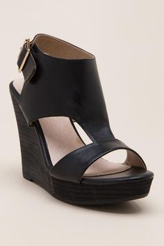 ff85b8ceb7c The Main platform sandal has a stacked wedge that will take your warm  weather look to new heights.