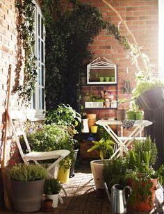 #Decorar #balcones en #primavera. Verde que te quiero verde
