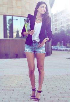 shorts and blazer outfits for women Black Blazer With Jeans, Blazer And Shorts, Blazer Outfits, Casual Outfits, Cute Outfits, Shorts With Heels, Casual Hair, Jeans Heels, Denim Blazer