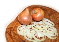 Watch This Video Sensational Natural Remedies for Chest Congestion Relief Ideas. Captivating Natural Remedies for Chest Congestion Relief Ideas. Onion Benefits Health, Fitness Smoothies, Chest Congestion Remedies, Congestion Relief, How To Cut Onions, Chef Shows, Healthy Soup, Healthy Recipes, Eat Healthy