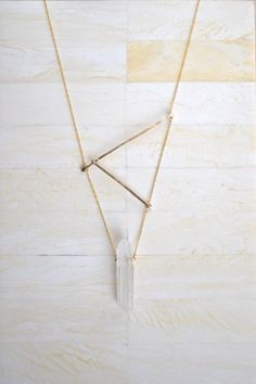 Asymmetrical Necklace Simple Gold Bar Necklace Gold Geometric Necklace Gold Bar Necklace Quartz Necklace Statement Necklace Asymmetrische Halskette This image. Gold Bar Necklace, Quartz Necklace, Simple Necklace, Necklace Ideas, Crystal Jewelry, Jewelry Necklaces, 90s Jewelry, Chanel Jewelry, Emerald Jewelry