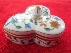 Herend China Trefoil / Spade Shape Trinket Box Floral Pattern Ist Edition Signed #Herend
