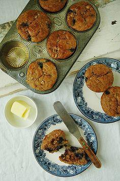 Blueberry Muffins :: banana, eggs, almond or cashew butter, coconut oil, honey, vanilla extract, apple cider vinegar, blanches almond flour, nutmeg, sea salt, baking soda, blueberries, chopped nuts, cinnamon.