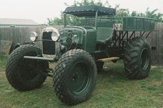 Swamp buggy repinned by www.BlickeDeeler.de If you like it have a look at http://pinterest.com/blickedeeler/motorized-vehicles-cars-trucks-bikes-and-more/