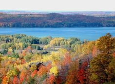 5 best fall color places around Traverse City.  Summit Mountain