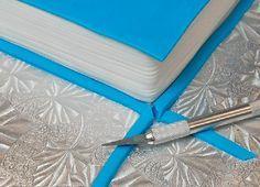 Global Sugar Art.com How to make a book cake