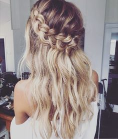 """891 Likes, 33 Comments - Made with Love Bridal (@madewithlovebridal) on Instagram: """"Hair goals // #sourceunknown"""""""