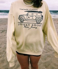 Rumored Hype on Casual Fall Outfits That Will Make You Look Cool Exposed Fall is nonetheless a good time to … Trendy Outfits, Summer Outfits, Cute Outfits, Fashion Outfits, Womens Fashion, Fashion Trends, Cute Sweatshirts, Cute Shirts, Best Sweatshirts For Women