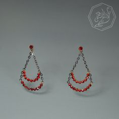 Vintage finding earrings with red rhinestones. #handmade #jewelry #lightbydemunt #fashion #accessory