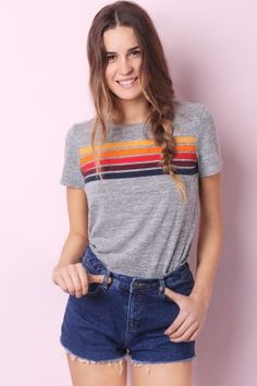 385a9d280 T.SHIRT RAINBOW BH5 Rainbow Outfit, Black Ripped Jeans, Vintage Tops,  Vintage