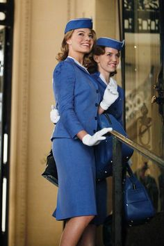 Flight attendant style: reviving '60s glamour