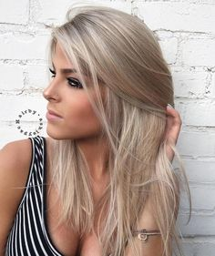 Medium Ash Blonde Hairstyle For Straight Hair #makeupideasforblondes