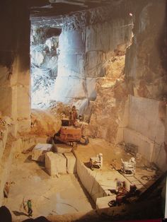 Italian quarry for Calacata Gold granite
