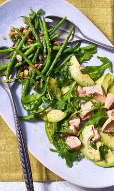 Make this rich and zingy salmon and avocado salad part of your buffet table or summer spread. Salmon Avocado, Salmon Salad, Avocado Salad, Avocado Recipes, Salmon Recipes, Seafood Recipes, Clean Simple Eats, Healthy Dinner Recipes, Healthy Food