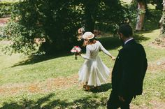 lorena+tito a través del blog de Días de vino y Rosas.  #RealBrides #Cortana #WeddingDress