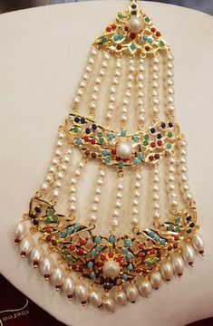 Showcasing the best of Indian jewelry designs. by AdaaJewels Head Jewelry, Jewelry Design Earrings, Gold Earrings Designs, Pakistani Bridal Jewelry, Bridal Party Jewelry, Mang Tikka, Wedding Jewellery Inspiration, Pearl Necklace Designs, Indian Jewelry Sets