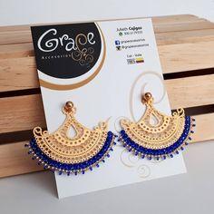Enamórate 💖💕 de nuestros accesorios... Aretes abánico 2 en 1 con delicado tejido 💯 hecho a mano 🤲 en azul rey 💙...… Fashion Earrings, Fashion Jewelry, Herbal Essences, Beaded Crafts, Girly Things, Girly Stuff, India Jewelry, Bead Weaving, Jewlery