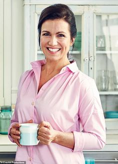 Susanna Reid, who has been a journalist for 25 years, shares her life in a new column for Femail. The busy working mother revealed she advises her family to be good enough, not perfect. What To Grill, Susannah Reid, Duke Of Edinburgh Award, Tv Presenters, Working Mother, Sexy Older Women, Tv On The Radio, Celebs, Celebrities