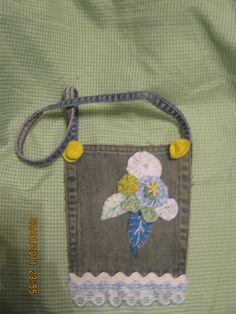 bolsita de jeans reciclado hecho por Ana