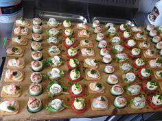 Heute habe ich ein paar Impressionen von einem leckeren Buffet für euch. Wenn ihr noch Snack-Ideen für eine Party oder einen netten Fernseh...