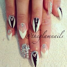 Stillettos Nailart black & white