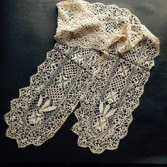 Antique handmade wide honey silk Maltese bobbin lace lappets scarf barbe