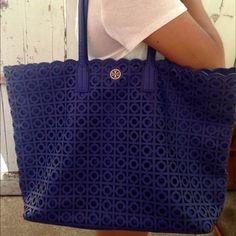 Tory Burch Handbags - HOST PICK 8/21 TORY BURCH KELSEY TOTE