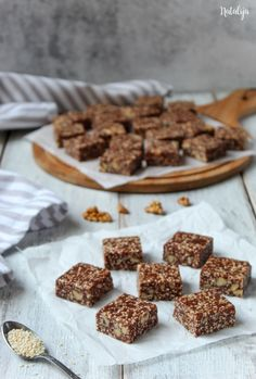 Sesame cubes with honey Sesame cubes with honey – mystic cakes Susam kocke sa medom 4 Source by Cupcake Recipes, Cookie Recipes, Dessert Recipes, Artisan Bread Recipes, Baking Recipes, Praline Recipe, Macedonian Food, Kolaci I Torte, Chocolate Oats