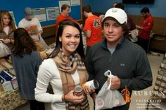 Jason Dufner, a pro golfer and Auburn alum, and his wife Amanda have been teaming up with volunteers from The Campus Kitchen at Auburn University as a part of the national Blessings in a Backpack program. http://wp.auburn.edu/auburnmagazine/?p=4908